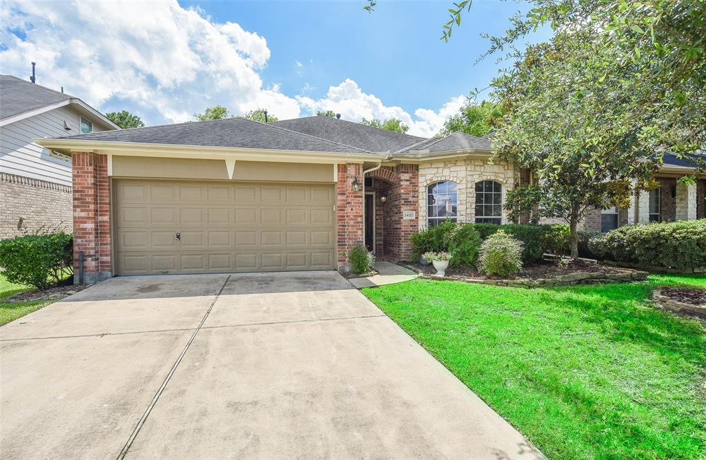 This beautiful former model home is ready for a greta tenant. Located right in the heart of Spring Pines, this home features beautiful wood floors, an extra large kitchen island and an oversized primary bedroom! A large backyard and patio make the perfect place for both gatherings and relaxing! I 45 is nearby and makes for easy access to shopping centers. Schedule your showing today!