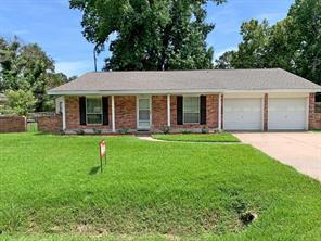 810 Fall Creek Drive, Huffman, TX 77336