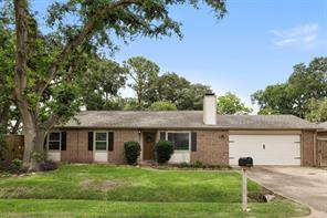9042 Kerrwood Lane, Houston, TX 77080