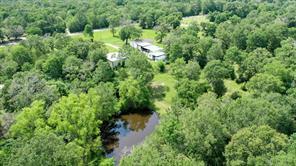102 Wood Farm, Huntsville TX 77320