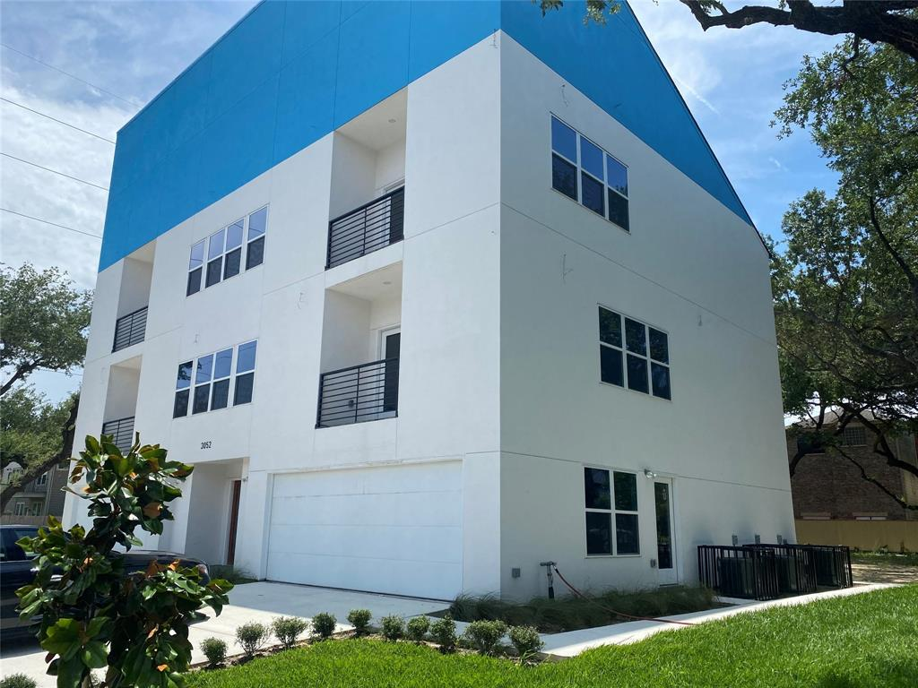 3052 Dunvale Road, Houston, Texas 77063, 6 Bedrooms Bedrooms, 6 Rooms Rooms,4 BathroomsBathrooms,Rental,For Rent,Dunvale,96540089