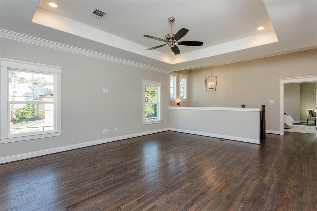 319 26th Street, Houston, Texas 77008, 4 Bedrooms Bedrooms, 11 Rooms Rooms,4 BathroomsBathrooms,Single-family,For Sale,26th,85227425
