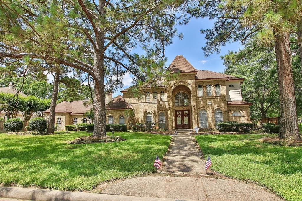 1710 Scenic Shore Drive, Kingwood, TX 77345