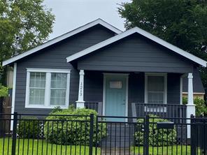 1213 Armstead St, Houston TX 77009