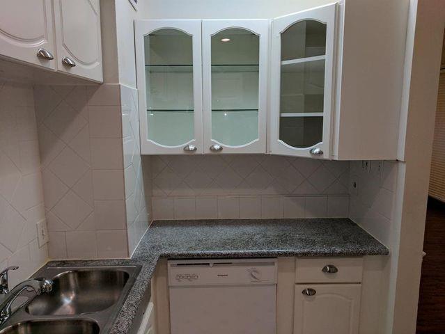 3401 Timmons Lane, Houston, Texas 77027, 2 Bedrooms Bedrooms, 2 Rooms Rooms,1 BathroomBathrooms,Rental,For Rent,Timmons,18620705
