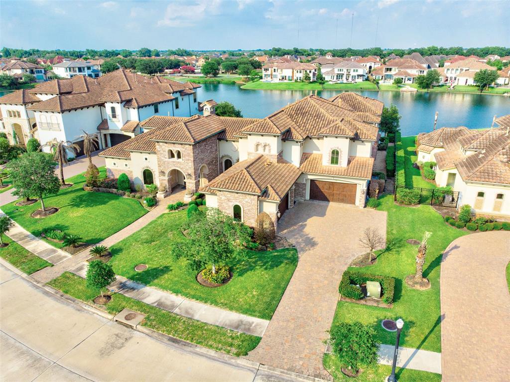 14 Ivy Bend Lane, Sugar Land, TX 77479