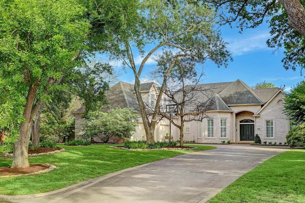 5101 Braeburn Drive, Bellaire, Texas 77401, 4 Bedrooms Bedrooms, 10 Rooms Rooms,3 BathroomsBathrooms,Single-family,For Sale,Braeburn,25251762