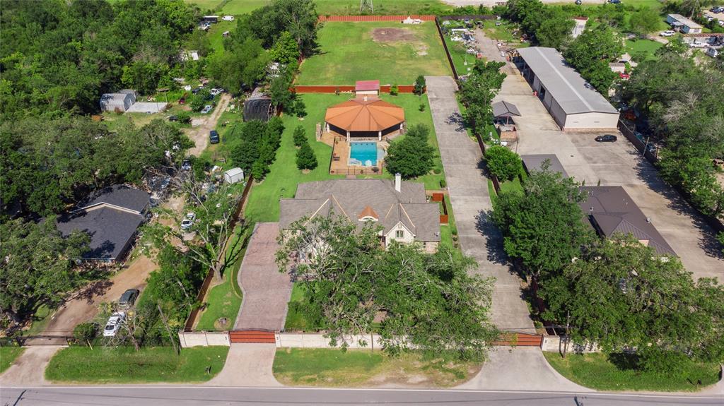 13635 Reeveston Road, Houston, TX 77039