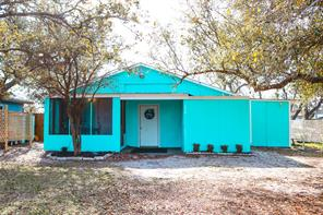 226 Lakeview Drive, Rockport, TX 78382