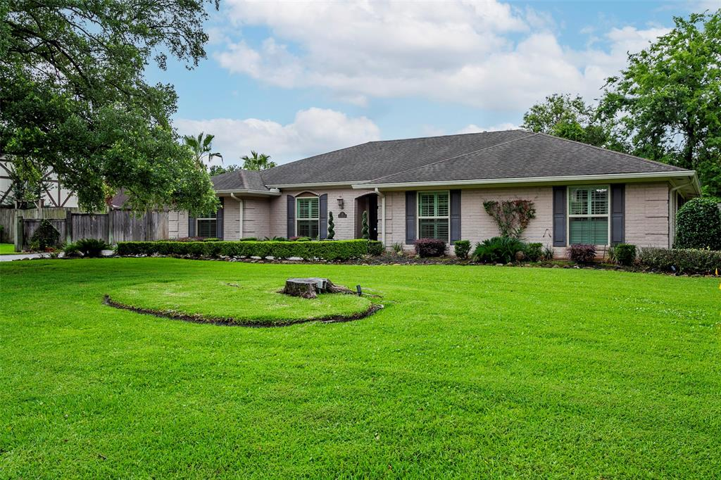 60 Ave of the Oaks, Beaumont, TX 77707