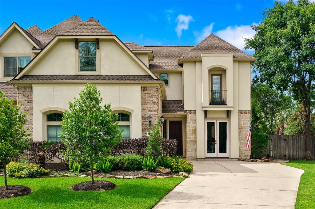One of the very few premium lots in Knights Crossing located on the golf course with a huge corner lot & gorgeous pool. As you walk in you have a study with built ins overlooking the courtyard area. As you move into the recently remodeled kitchen with waterfall quartzite counters on island, Thermador gas range & soft close cabinets. Walk in butlers pantry with plenty of storage. Kitchen opens to dining room and living room featuring recent porcelain tile, plantation shutters, fireplace and custom built ins. This floor plan features the master down with bathroom featuring double sinks, shower, tub and large walk in closet. Upstairs you have two bedrooms, 2 full bathrooms, media room and large game room with balcony overlooking the backyard oasis. The backyard features a built in outdoor bbq and fridge, covered pergola, pool and spa. There is plenty of grass to play with a view of the player golf course. HOA covers exterior building, building ins and front yard. Roof/Exterior doors 2021