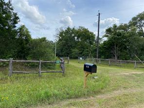 1039 Shady Oak, Weimar TX 78962