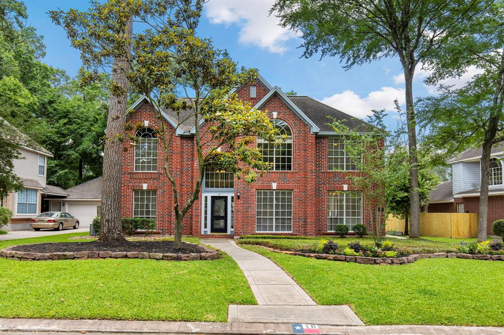 Updated & bright 4 bed/ 2 1/2 bath home on a cul-de-sac in Cochran's Crossing! Gorgeouskitchen with new cabinets, backsplash and quartz countertops and lots of counter space. Formal dining downstairs and flex room which could be a study or playroom for little ones. Great sized primary retreat down with a totallyrenovated master bathroom, including new cabinets, countertops, sinks and frameless shower. 3 bedrooms & game room up. A 3rd bathroom could be added in Texas basement. Great energy efficient features such as solar panels in attic & garage, radiant barrier film in attic, garage and Texas basement. Oversized garage offers a large workshop/storage area. Fenced yard w/large patio and plenty of room for a pool.