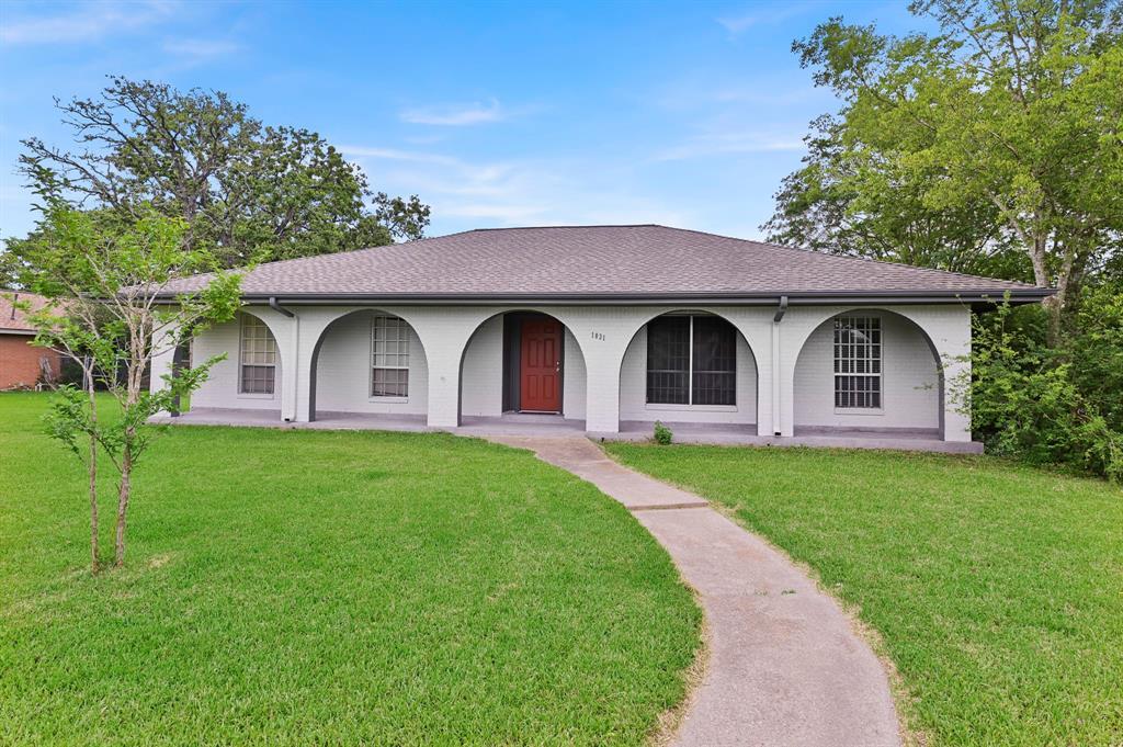 1031 Rose Circle, College Station, TX 77840
