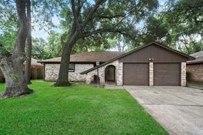 13551 Fernhill Drive, Sugar Land, TX 77498