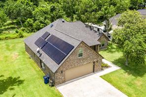 46 Ivy Court, Jones Creek, TX 77541