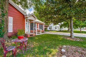 107 Avenue D, Highlands, TX 77562