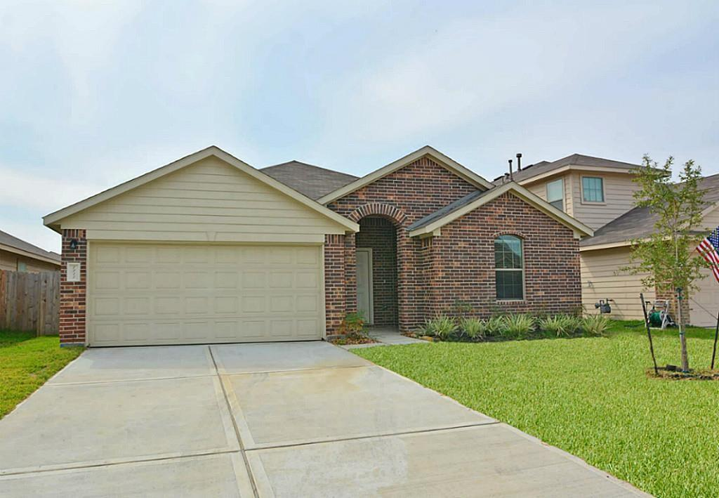 $350 OFF for leased signed by August 8.  SPACIOUS 4 BED/2BA in HIGHLY RATED Magnolia ISD. GORGEOUS KITCHEN;Granite COUNTERS, SS Appliances,Gas Range.OPEN FP ; LARGE LIVING ROOM;Vaulted Ceilings,SPLIT FP; SUITE W/ HUGE SHOWER; LOTS OF STORAGE; LARGE CLOSET;  4th Bedroom can be used as a Study/Office. Nestled in a Pleasant Neighborhood; Great location! Minutes away from Conveniences,Shopping, The Woodlands. Once approved, this property qualifies for 1- Payment of a Jetty program option for reduced deposit payment, or 2- Standard full deposit payment fully refundable at move out, per the terms of the lease. Please inquire w/listing agent for more details. All leases participate in HVAC Filter Program $20.00 a month, due with rent. Pets are case by case basis