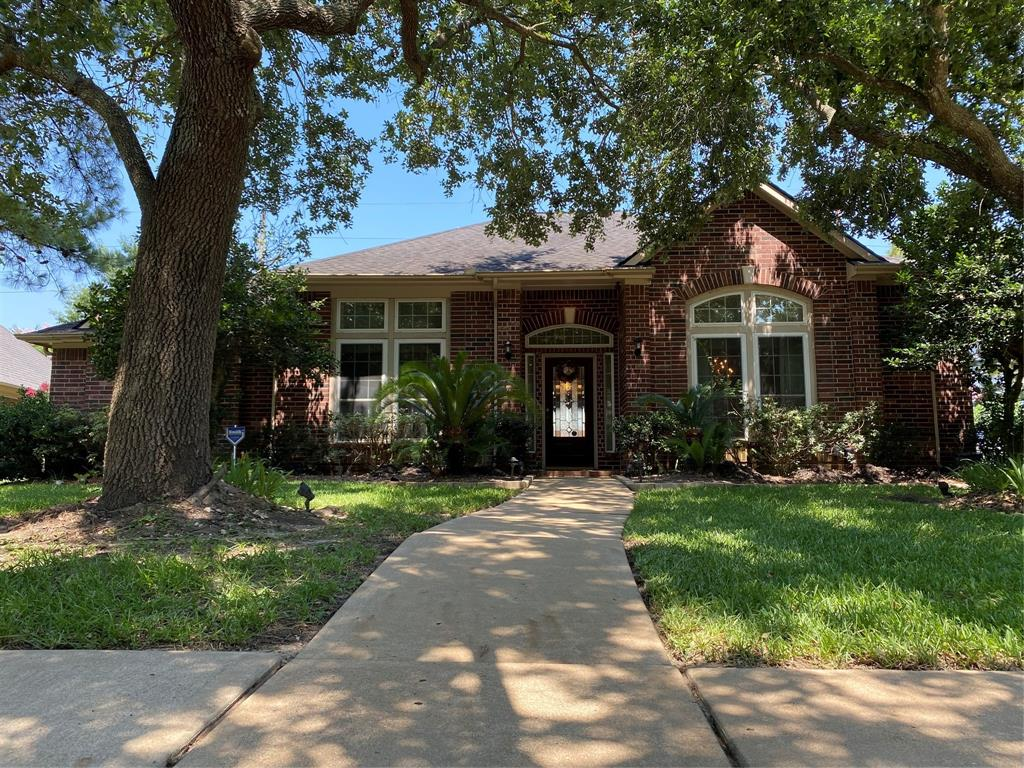 Beautiful David Weekley in highly desired North Lake Cinco Ranch! Rare large 1 story has 3 full baths, study & game room. Low tax rate & save energy $$ w/ ECOWRAP system in attic! Stunning kitchen with huge isle/granite/diag tile backsplash with granite inlay/French Country brick over range/breakfast bar & tons of cabinets/counters. Large primary bedroom with sitting area. Remodeling all bath rooms with natural quartzite tops. Study with wall of staingrade shelves! Built in entertainment center with high definition TV and JBL - Bose speakers included. Double pane gas filled windows. Wood floor in all bedrooms, closet, office and dining room. Triple exemplary schools! Bike to tennis/pool/beach club & lakes! NEVER FLOODED PER SELLER.