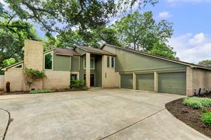 202 Raintree Lane, Lake Jackson, TX 77566