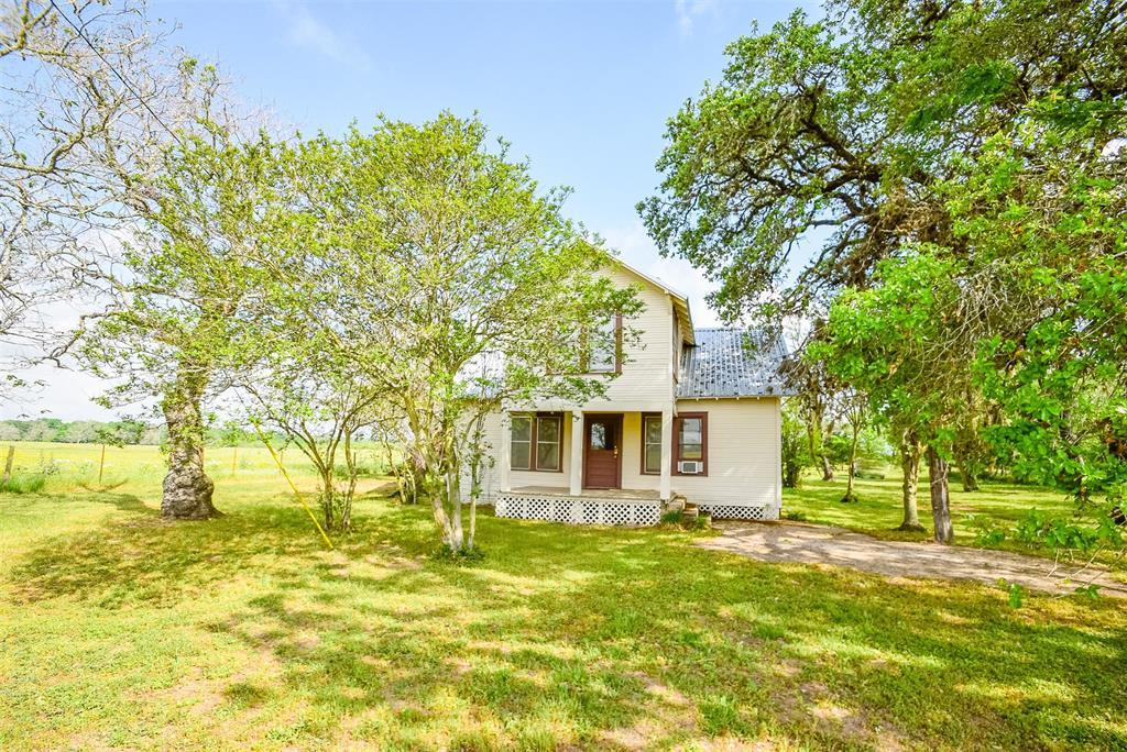 4501 Mullins Prairie Loop, La Grange, TX 78945