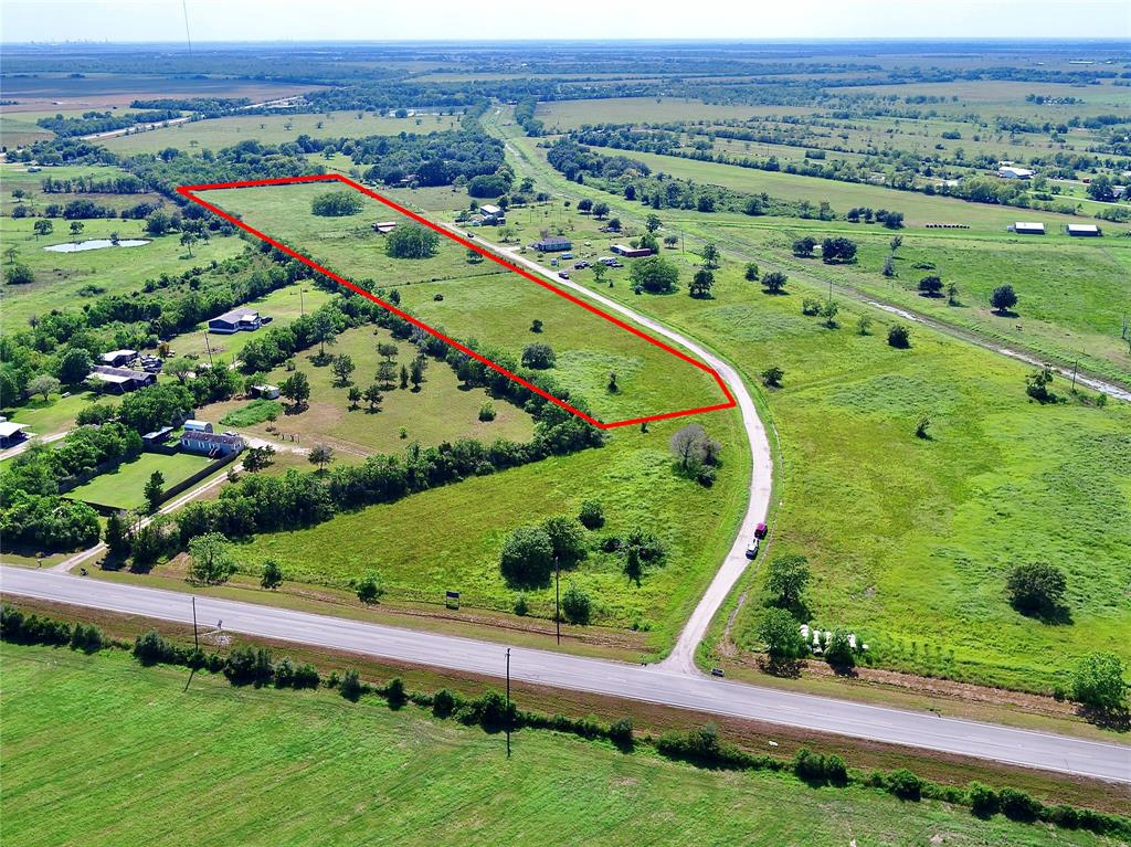 10 acres available in Santa Fe, TX. Excellent access to 2004 and 646.