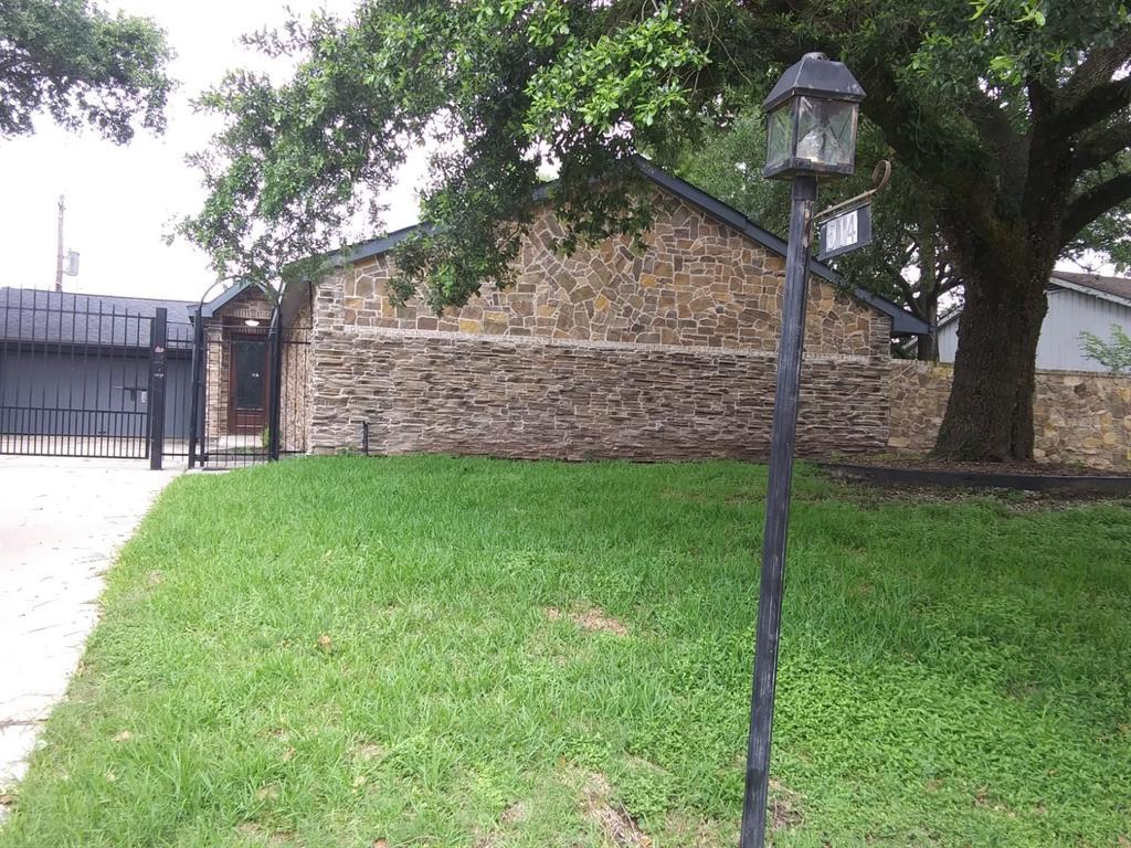 514 Briar Hill Drive, Houston, TX 77042
