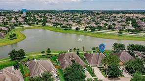 1063 Cayman Bend Lane, League City, TX 77573