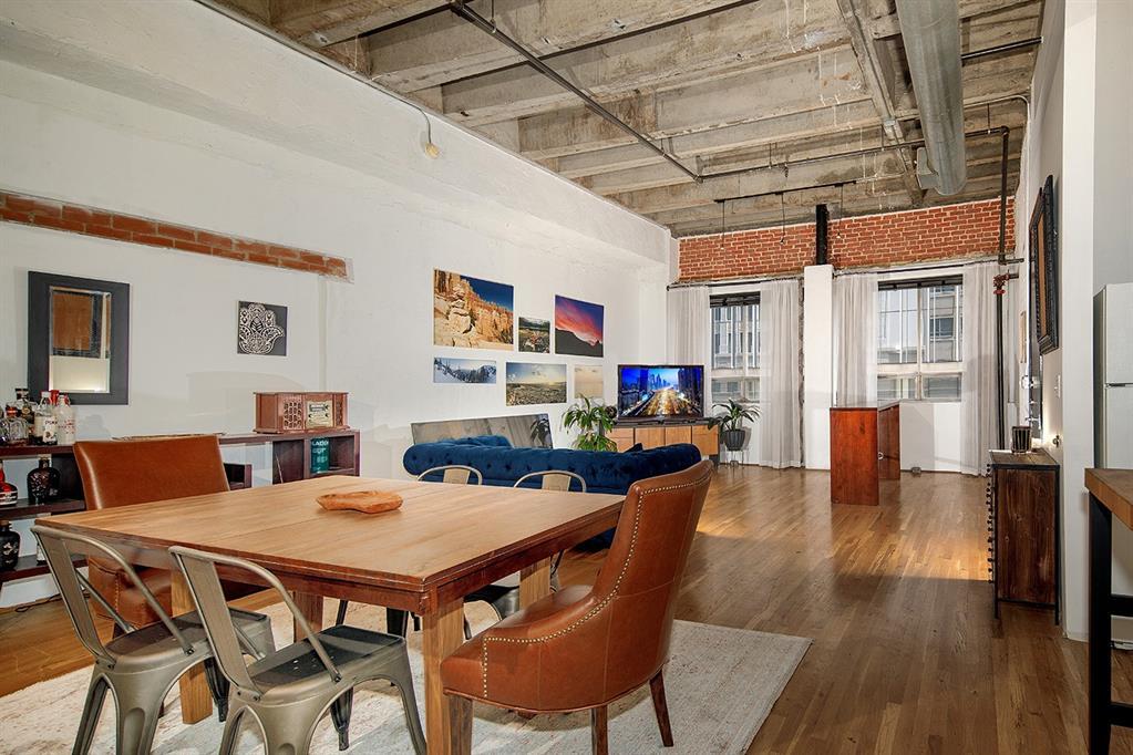 705 Main Street, Houston, Texas 77002, 2 Bedrooms Bedrooms, 2 Rooms Rooms,1 BathroomBathrooms,Mid/hi-rise Condo,For Sale,ST GERMAIN,Main,56367665