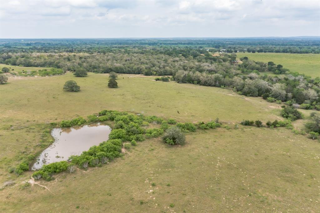 11 Armstrong Derry Road, Flatonia, TX 78941