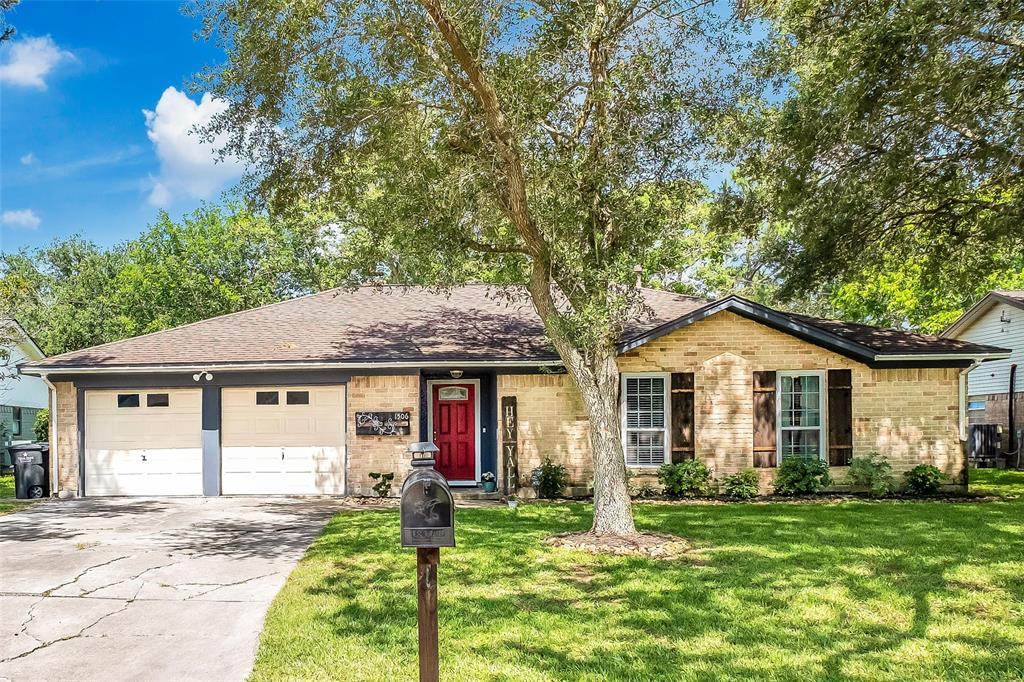 1506 Parkway Drive, Alvin, Texas 77511, 3 Bedrooms Bedrooms, 6 Rooms Rooms,2 BathroomsBathrooms,Single-family,For Sale,Parkway,33255776