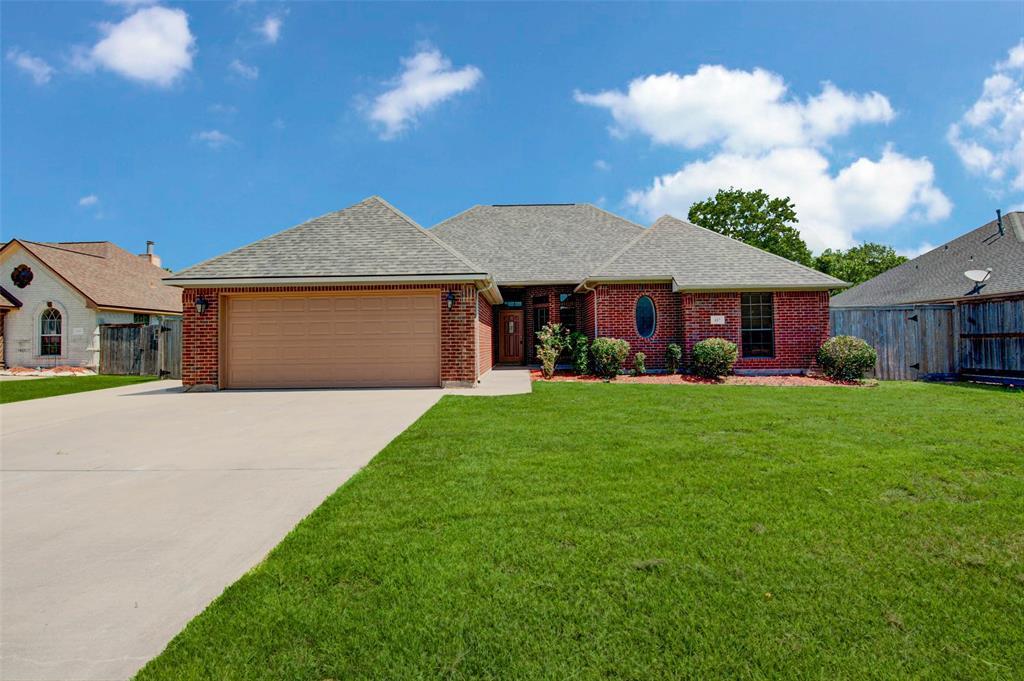 117 Audubon Woods Drive, Richwood, TX 77531