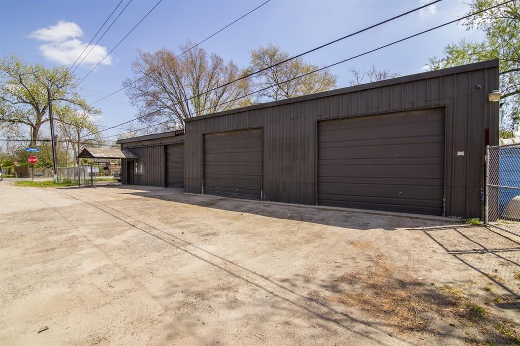 11160 Percy Road, Houston, TX 77093