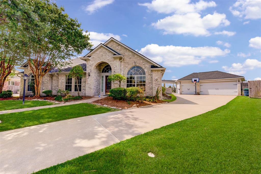 8615 Ballinger Drive, Houston, TX 77064