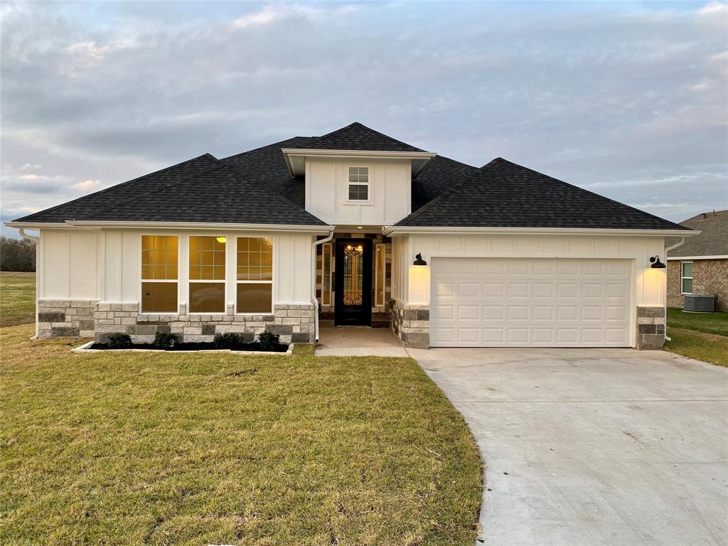 393 Green Meadows Drive, West Columbia, Texas 77486, 3 Bedrooms Bedrooms, 9 Rooms Rooms,2 BathroomsBathrooms,Single-family,For Sale,Green Meadows,71907480