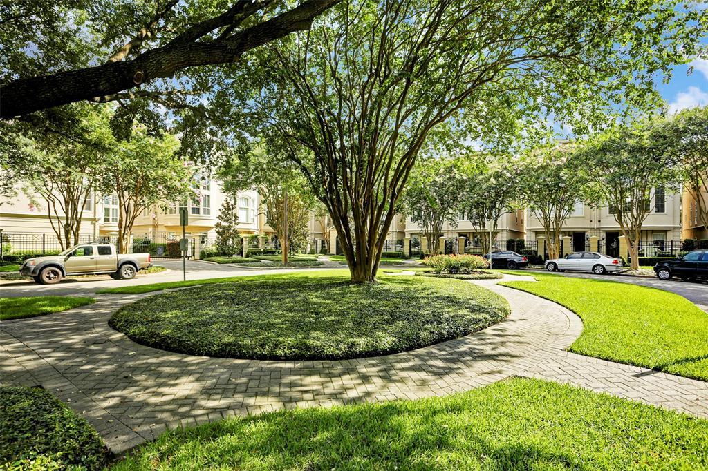 1515 Hyde Park Boulevard, Houston, Texas 77006, 3 Bedrooms Bedrooms, 8 Rooms Rooms,3 BathroomsBathrooms,Single-family,For Sale,Hyde Park,97523025