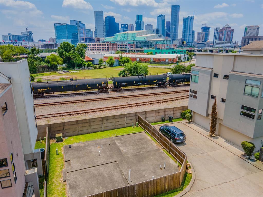 2308 Sperber Lane, Houston, TX 77003