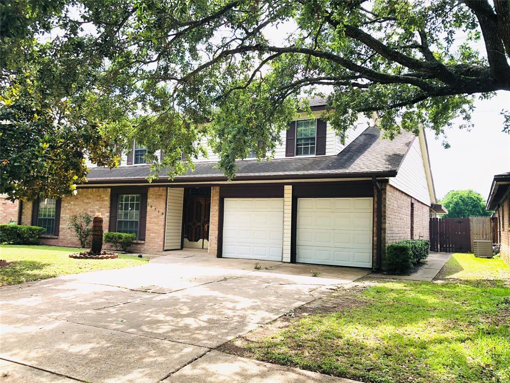 10118 Amblewood Drive, Houston, TX 77099
