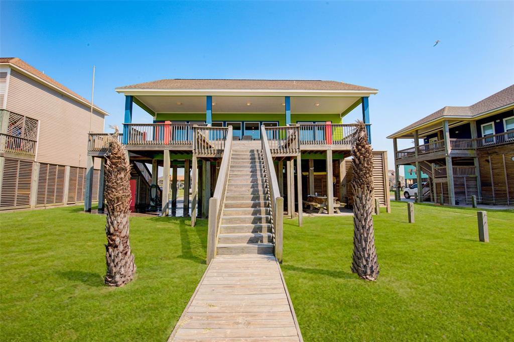 1126 Blue Water Drive, Crystal Beach, TX 77650