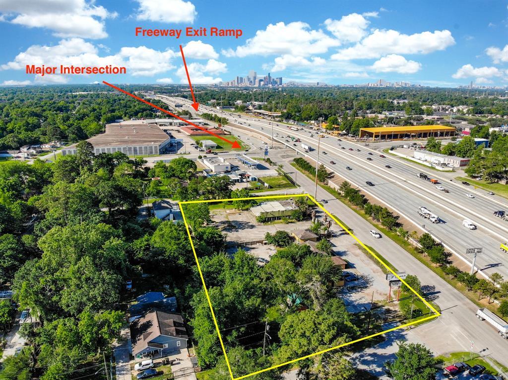 7800 Eastex Freeway, Houston, TX 77093