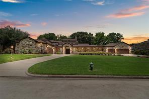 111 Pine Hill Lane, Montgomery, TX 77356