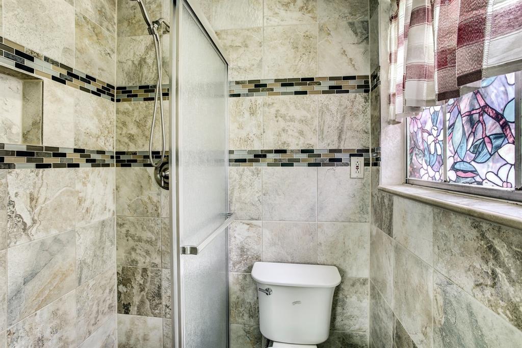 1237 Confederate Road, Houston, Texas 77055, 3 Bedrooms Bedrooms, 9 Rooms Rooms,2 BathroomsBathrooms,Single-family,For Sale,Confederate,42060291