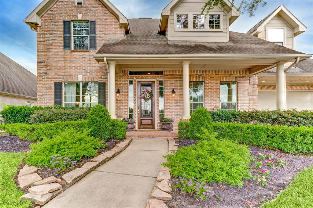 Come see this stunning remodeled home with a lake view and no back neighbors! This home boasts a large and open floor plan that is perfect for entertaining.  Kitchen has new marble countertops, updated backsplash, new undermount stainless steel sink, new cooktop, undercabinet lighting and freshly painted cabinets. Enjoy your evenings relaxing in the private backyard that has plenty of room for your dream pool.   You'll love the spacious family room with high ceilings, recently installed carpet and repainted trim, formal dining room with stone accent wall, hardwood floors, plantation shutters throughout, three-car tandem garage, the list goes on!  Make an appointment to see this beauty today.