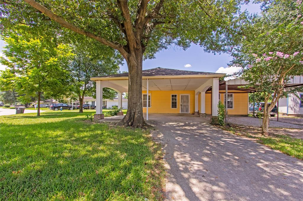 10943 Royal Pine Drive, Houston, TX 77093