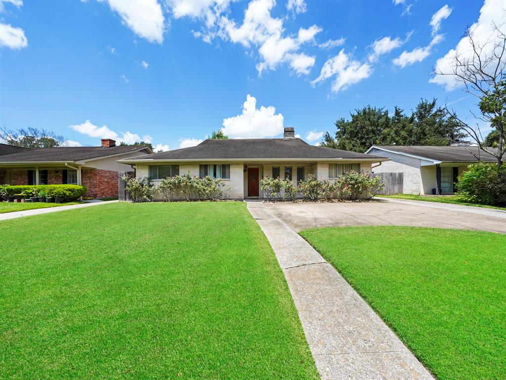 11622 Hillcroft Street, Houston, TX 77035