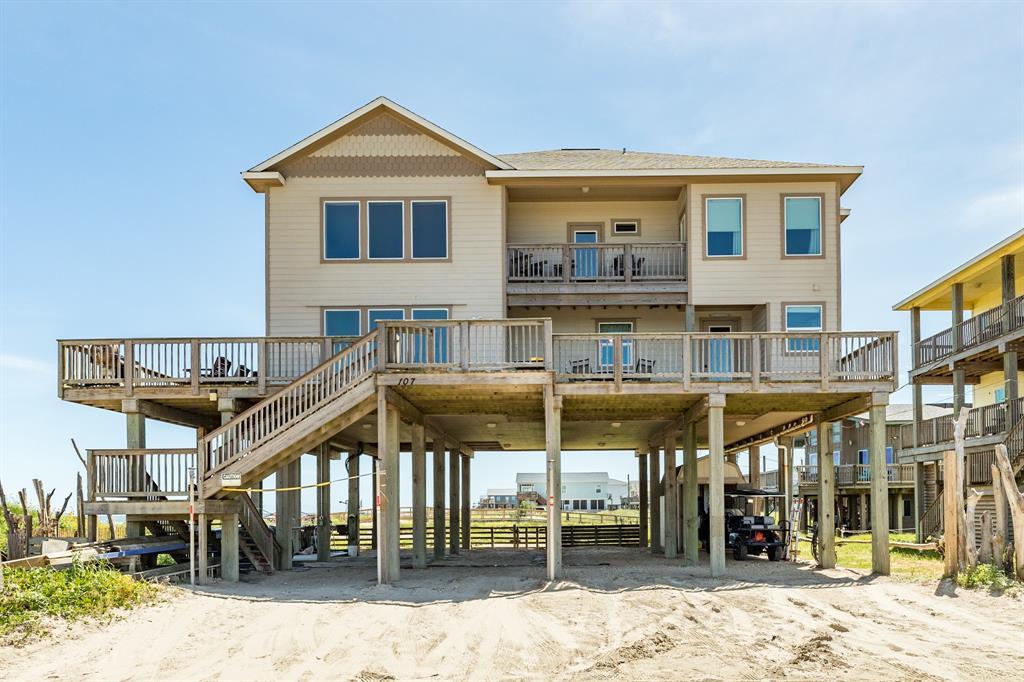 107 Yucca Avenue, Surfside Beach, TX 77541