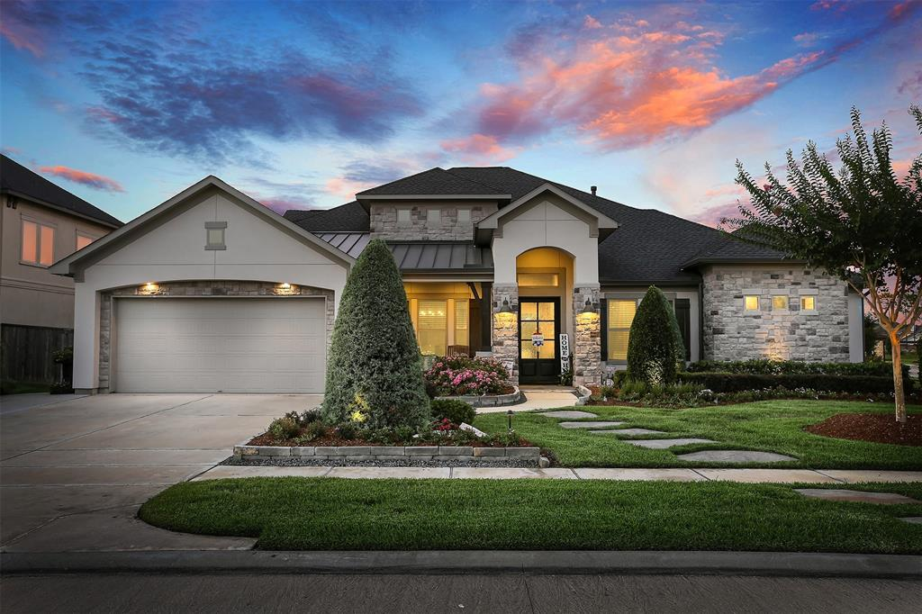 1821 Avery Lane, Friendswood, TX 77546