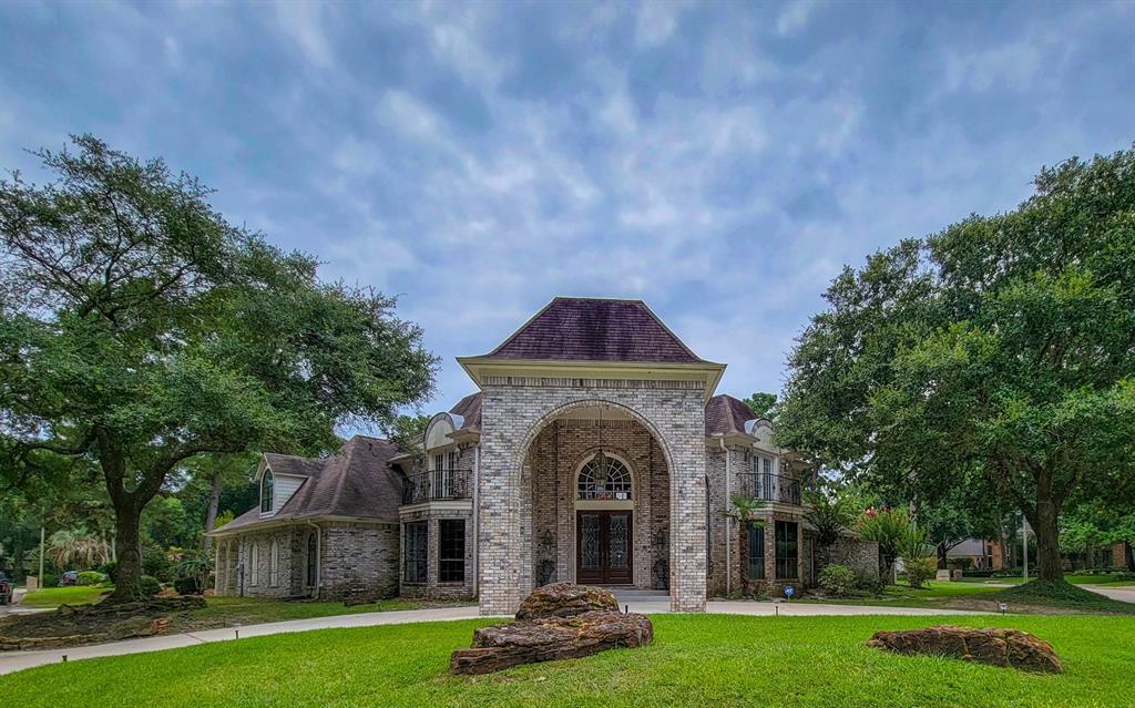 4714 Breezy Point Drive, Kingwood, TX 77345