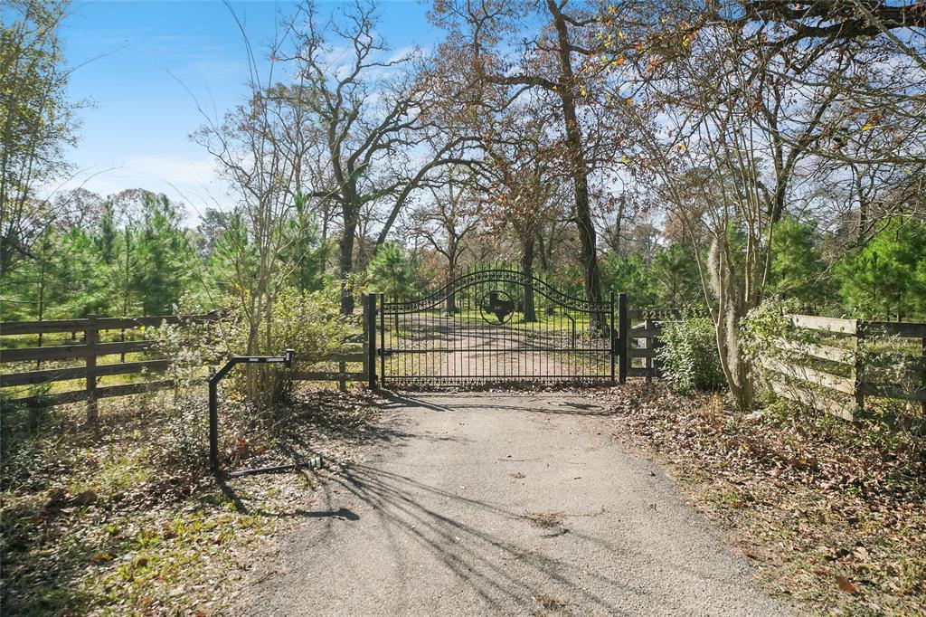 22111 Roberts Cemetery Road, Hockley, TX 77447
