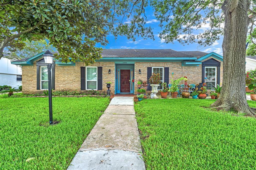 1806 San Sebastian Lane, Houston, TX 77058
